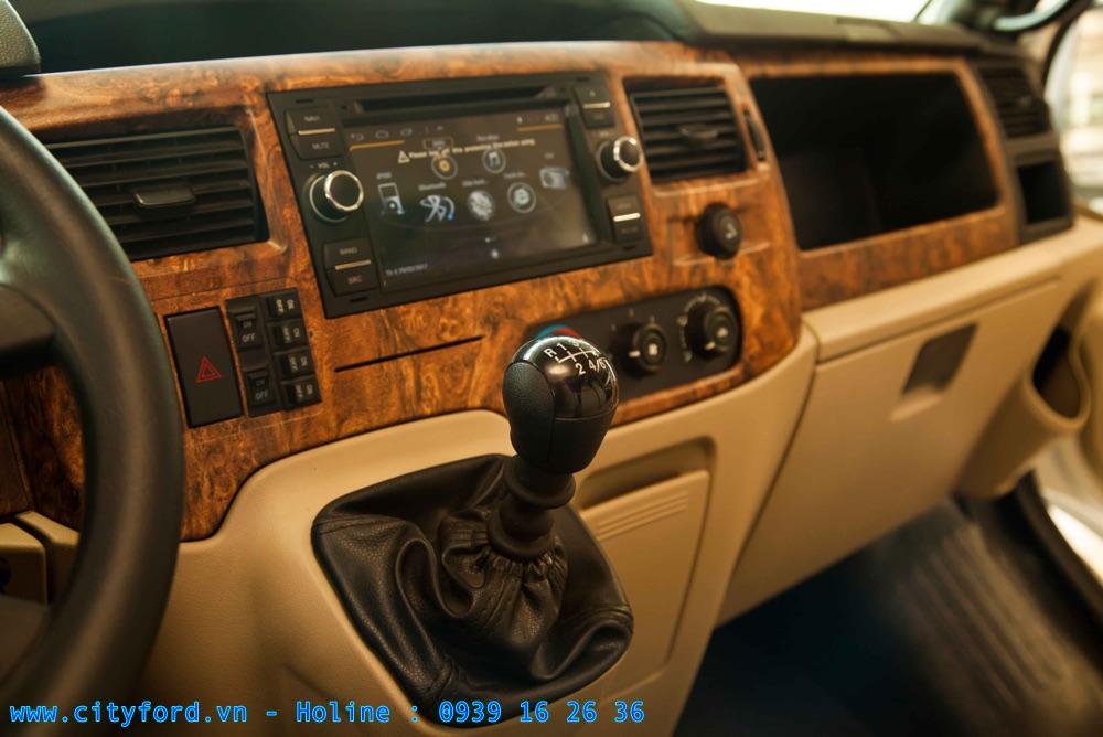 Ford Transit Limousine tích hợp DVD 2 Din sử dụng hệ điều hành android có tích hợp hệ thỗng dẫn đường vietmap