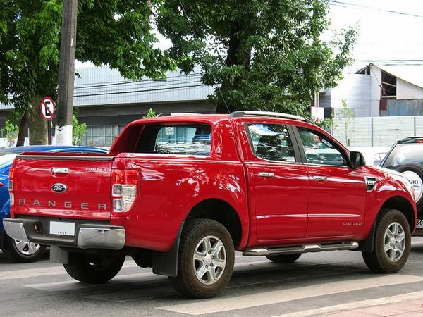 Ford Ranger XLS 4x2 AT có Động cơ mạnh mẽ và tiết kiệm nhiên liệu