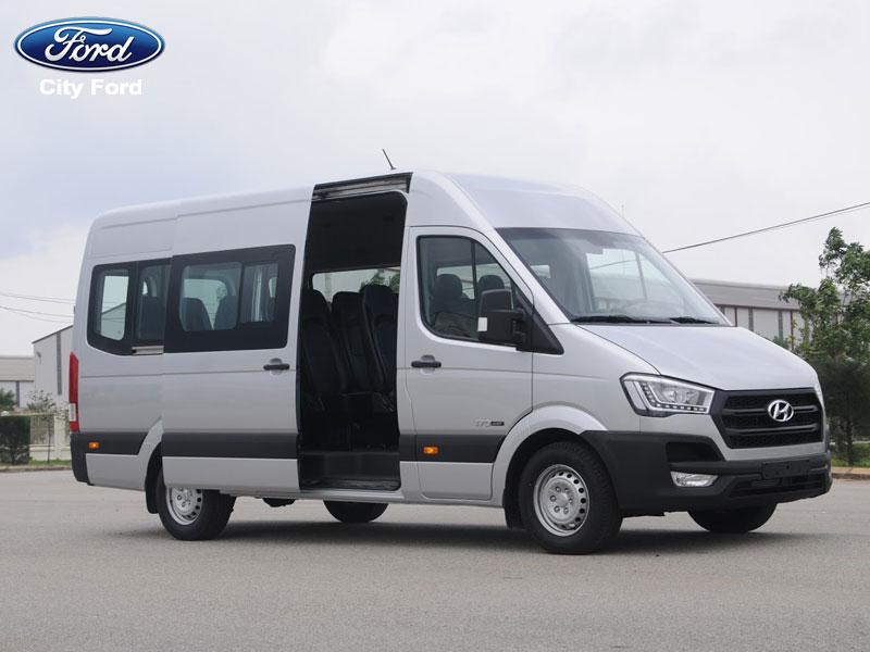 Hyundai Solati sang trọng bởi thiết kế mạnh mẽ