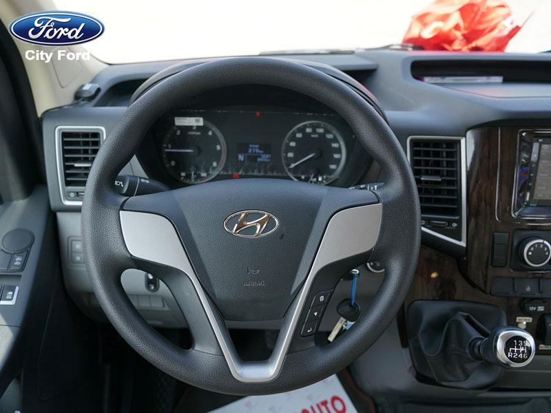 Vô-lăng tiêu chuẩn của xe Hyundai Solati