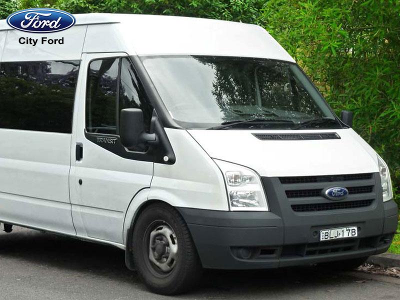 Mua xe Ford Transit trả góp để kinh doanh dịch vụ vận tải