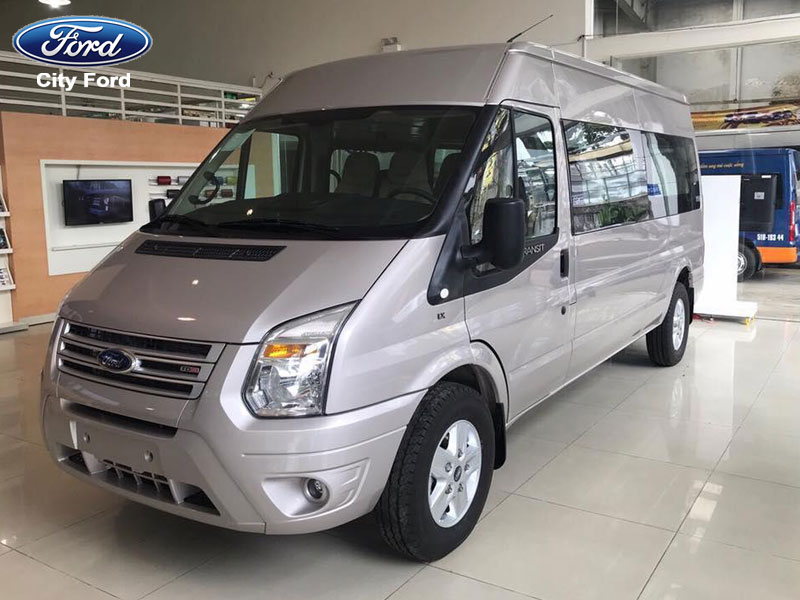 Ngoại thất xe Ford Transit với kiểu dáng đơn giản nhưng thanh lịch sang trọng
