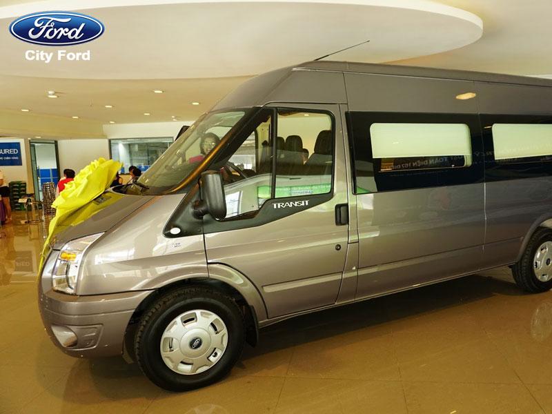 Thủ tục mua xe Ford Transit đơn giản, nhanh chóng
