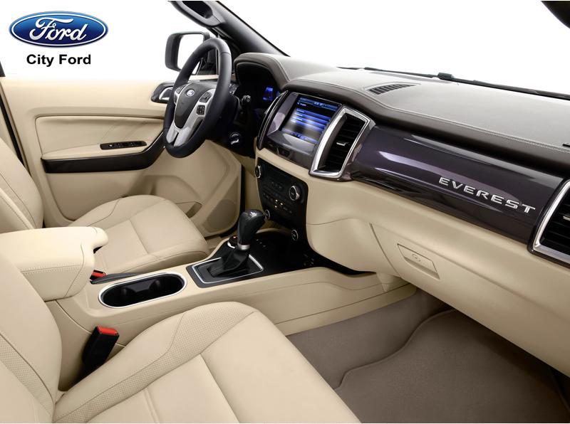 Hệ thống 7 túi khí sẽ bảo vệ tối đa cho người cả người lái và người ngồi trong xe