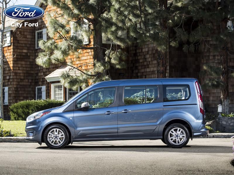 Mua xe Ford Transit là giải pháp giúp doanh nghiệp lữ hành tiết kiệm được chi phí đầu tư