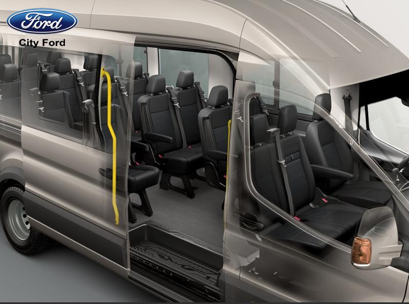 Sàn xe Ford Transit chống trơn trượt