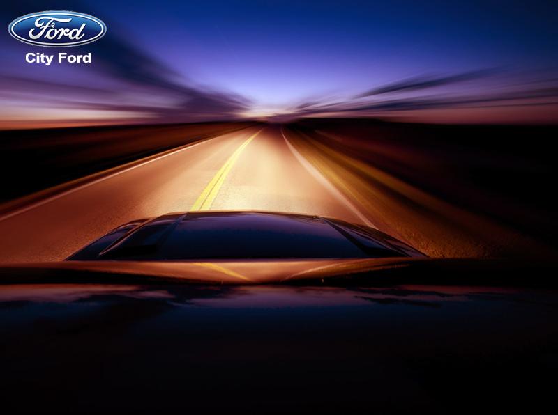 Bật đèn pha thích hợp nhất là khi chạy trên đường cao tốc vào đêm