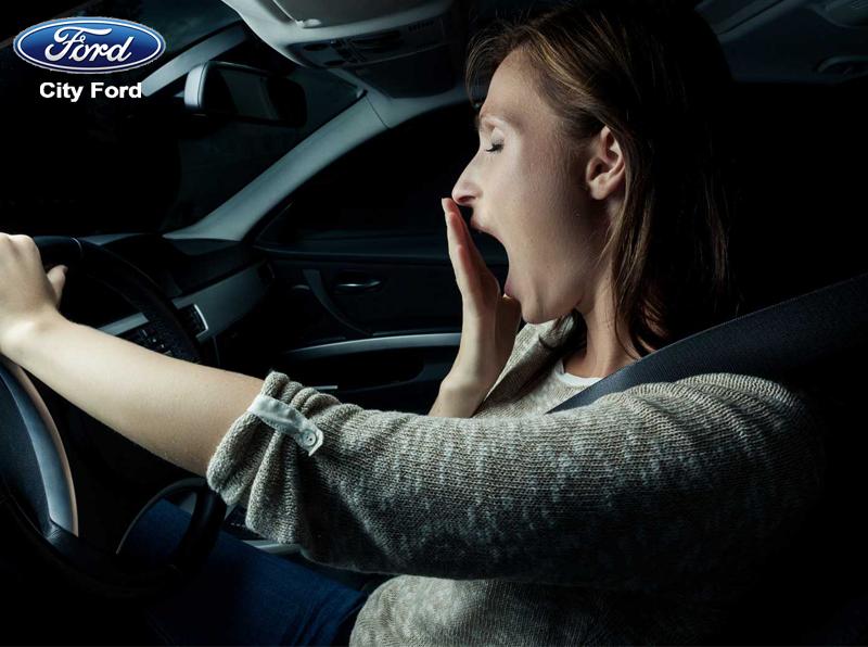 Dừng nghỉ khi cảm thấy mệt bởi lái xe ban đêm