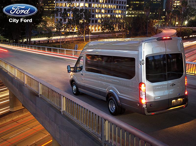 Sử dụng đèn chiếu xa hợp lý giúp cho tài xế có thể dễ dàng lái xe