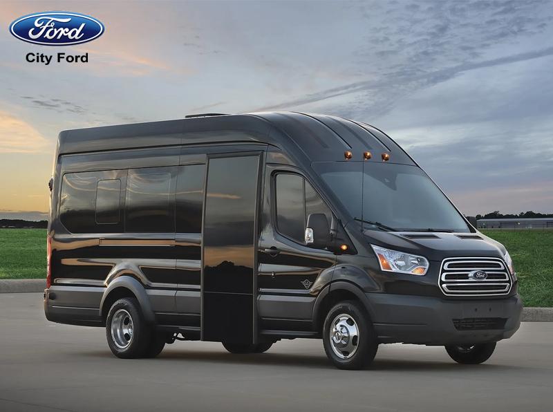 Ngoại hình mới vô cùng bắt mắt của Ford Transit 2019
