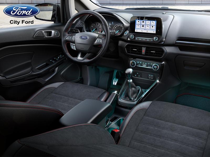 Thảm trải sàn giúp bảo vệ xe khỏi các yếu tố gây bẩn và điều kiện khắc nghiệt của thời tiết
