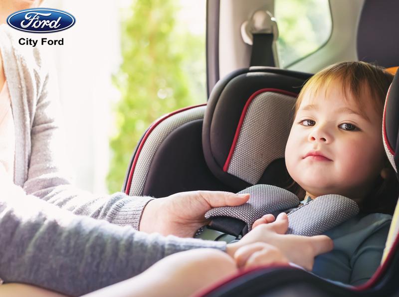 Trẻ em bao nhiêu tuổi thì có thể ngồi ở ghế trước của ô tô?